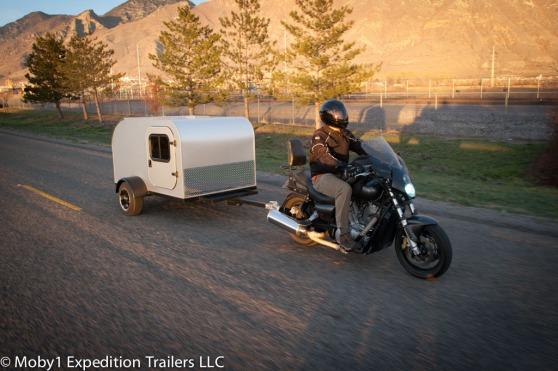 caravan-achter-motor