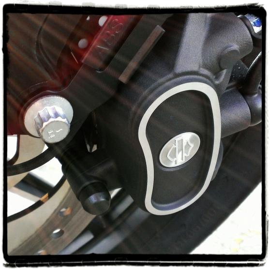 Harley-Davidson Iron 883 23
