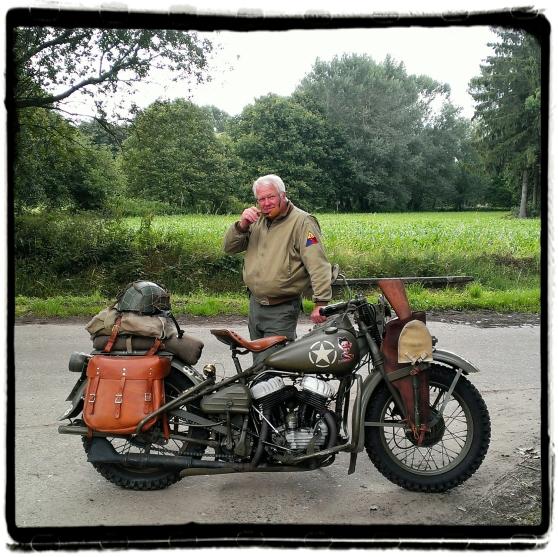 hangar-44-WO-II-motorcycle-meeting-2014