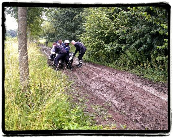 mudmen-motor-offroad-modder-sleuren