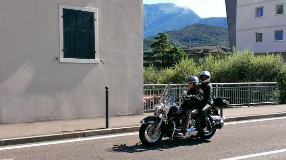 cruisen-met-de-moto-in-de-italiaanse-zon