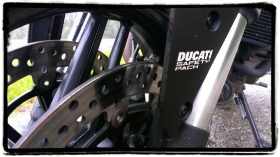 ducati-safety-pack-monster-821