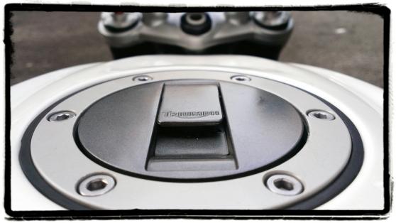 triumph-street-triple-r-tankdop