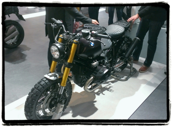 autosalon-2015-bmw-r-nine-t-custom-zandbeest-motokouture