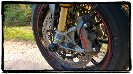 triumph-speed-triple-r-brembo-ohlins