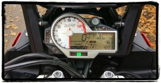 bmw-s-1000-xr-dashboard