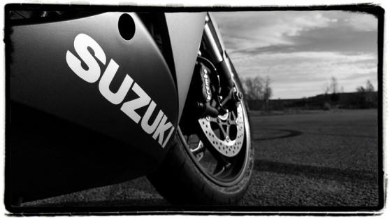 review-gsx-s1000f-suzuki
