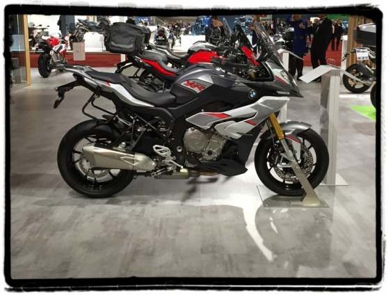 autosalon-2016-bmw-s-1000-xr