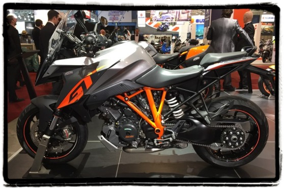 autosalon-2016-ktm-super-duke-1290-gt