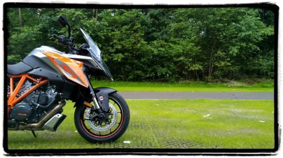 ktm-1290-super-duke-gt-2016