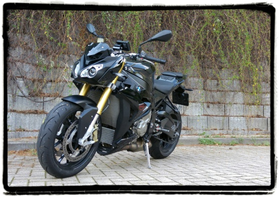 bmw-s-1000-r-review