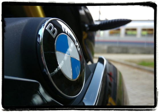 review-bmw-s1000r
